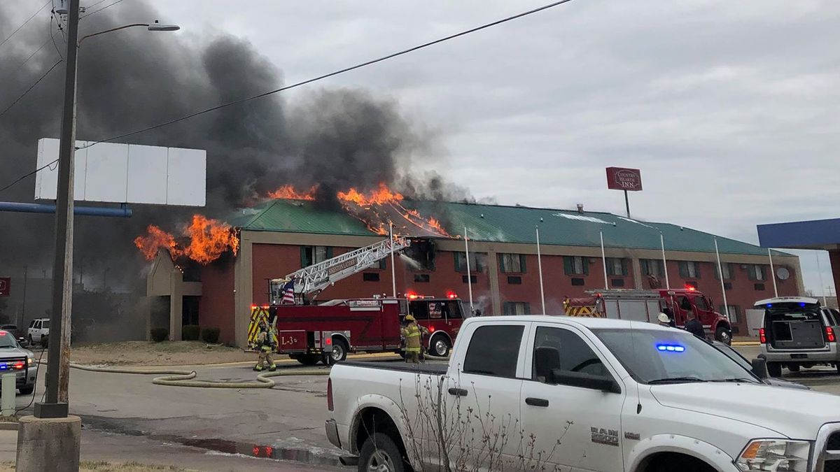 Survivor speaks out after escaping hotel fire in Miner, MO