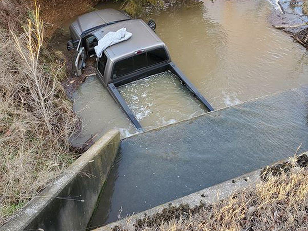 Jackson Mo. man injured, after vehicle crashes into creek