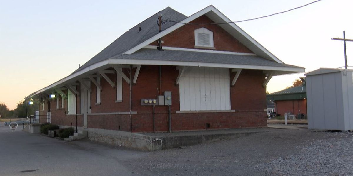 Marion, IL plans to award $10K for old train depot improvements