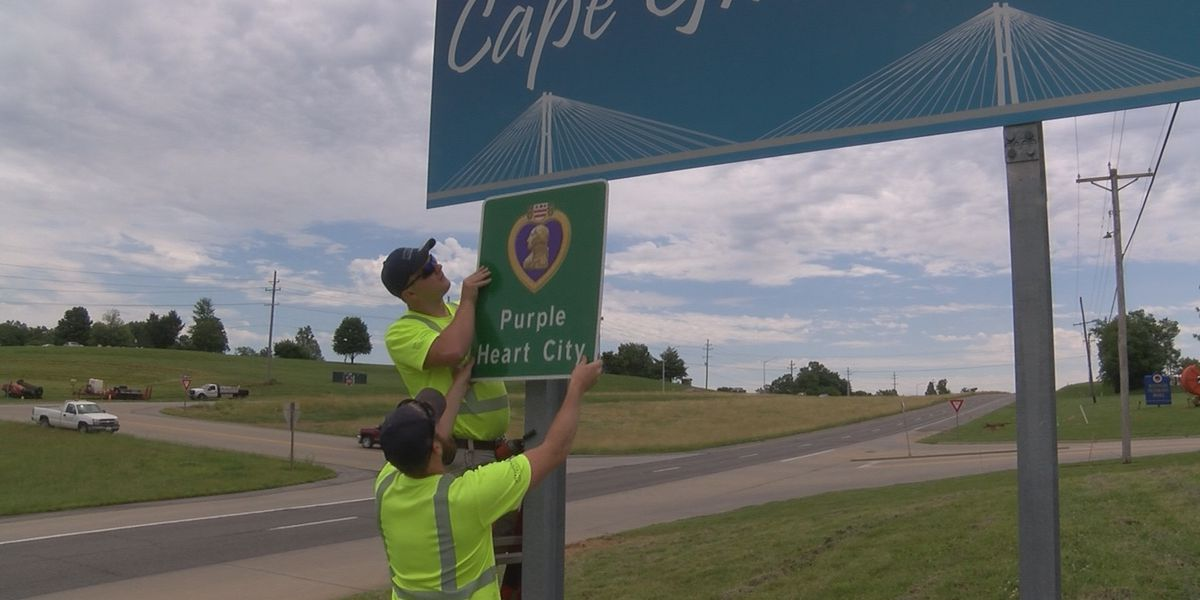 Purple Heart City signs installed in Cape Girardeau