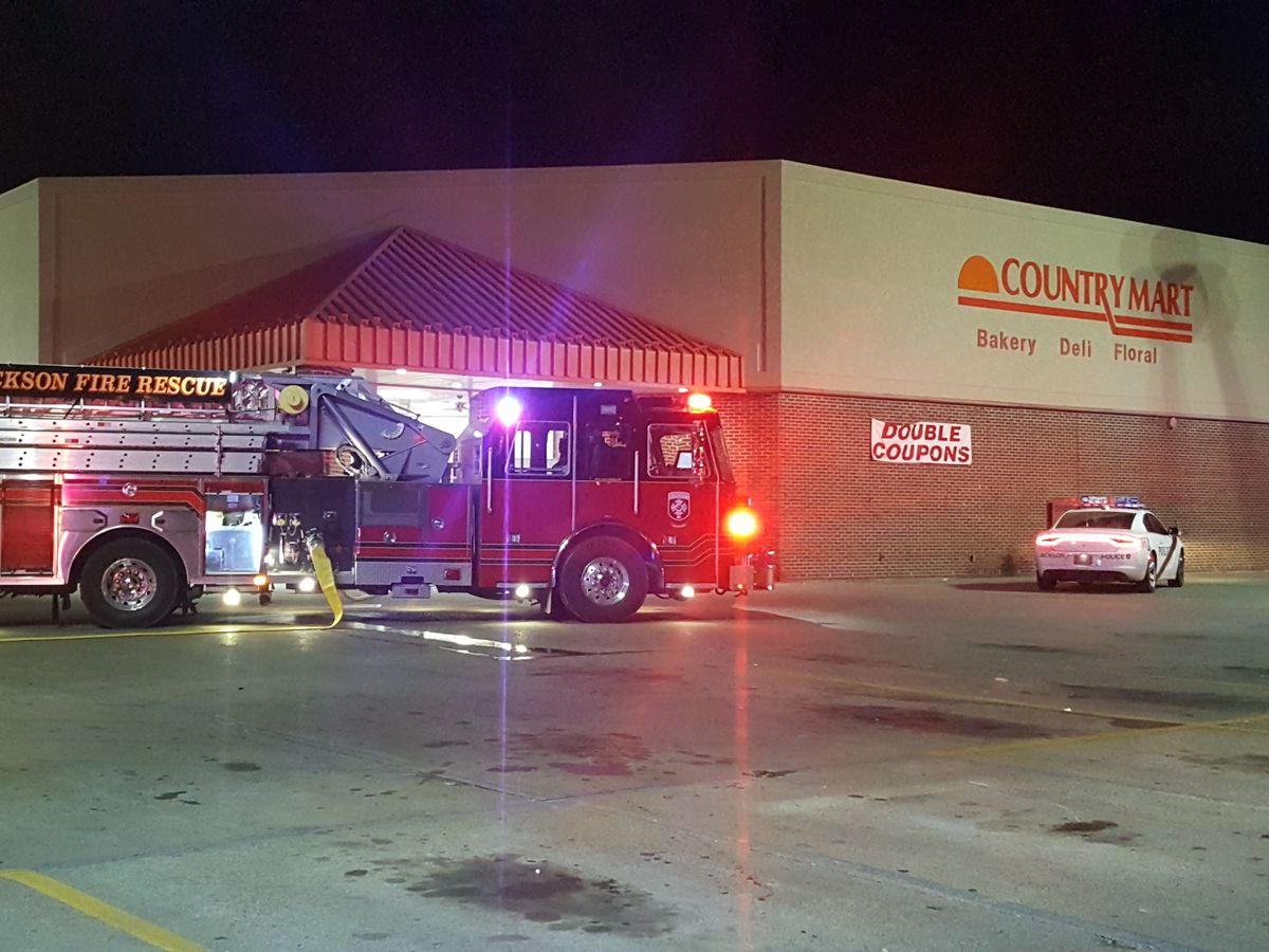 Crews respond to small fire at Country Mart in Jackson, MO