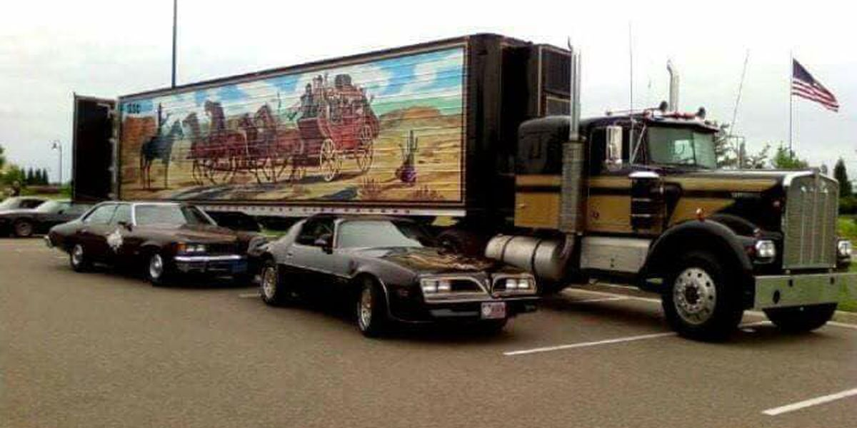 Replica Smokey and the Bandit cars to cruise into Murphysboro