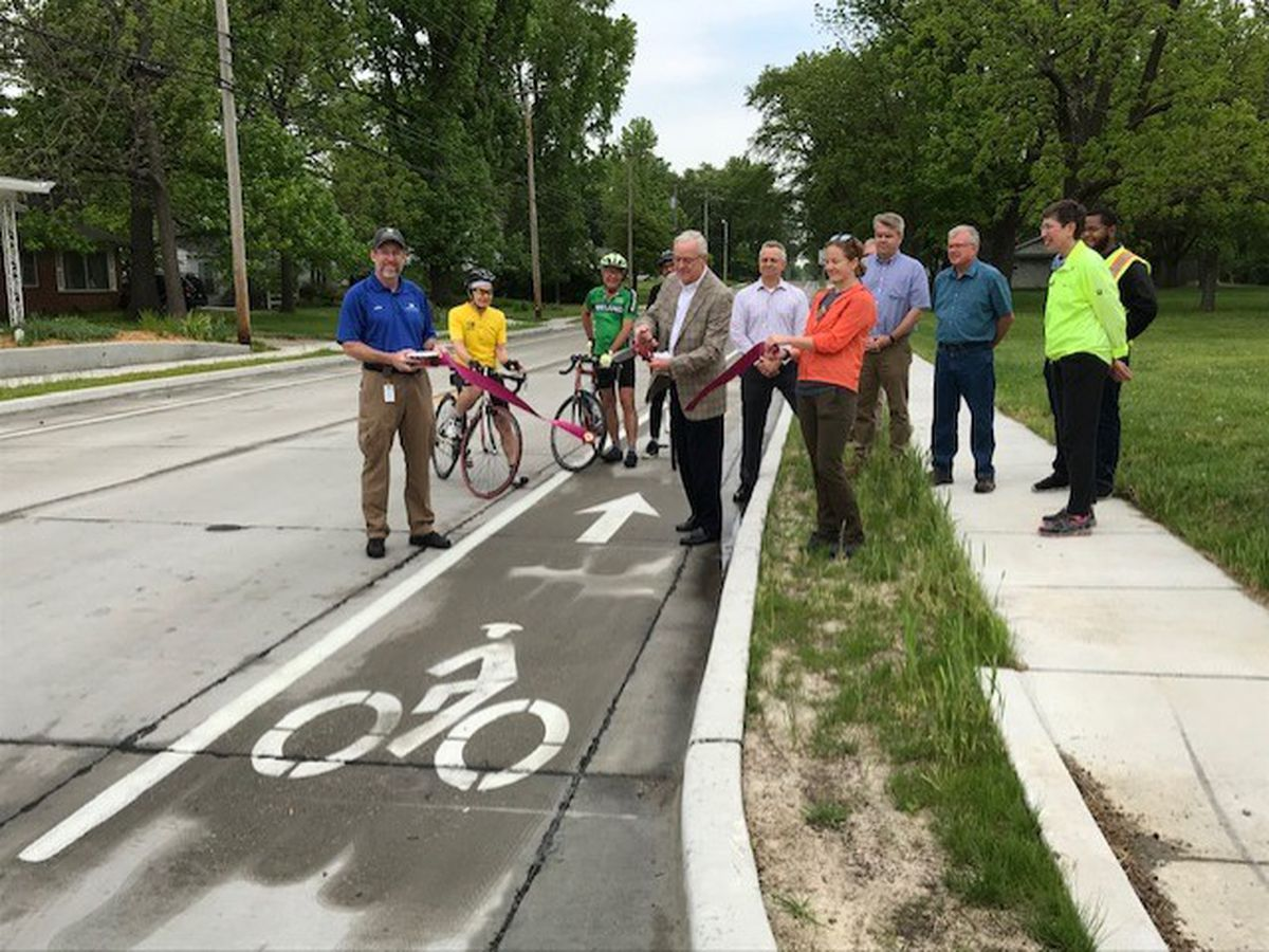 Ribbon cutting kicks off Bike to Work Week in Carbondale