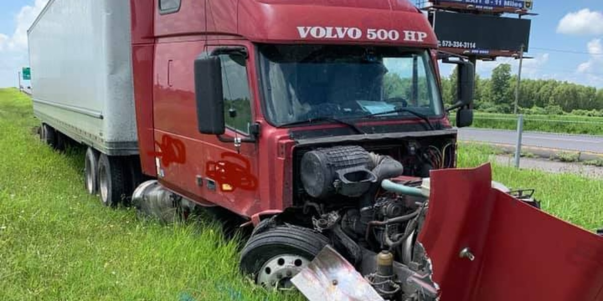 1 person flown to Memphis hospital after vehicle hits semi on I-55 in Pemiscot County, Mo.