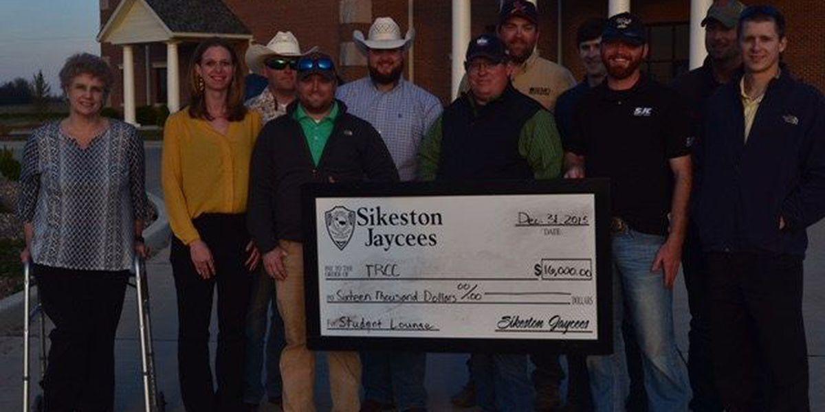 Sikeston Jaycees Donate to Three Rivers Endowment Trust