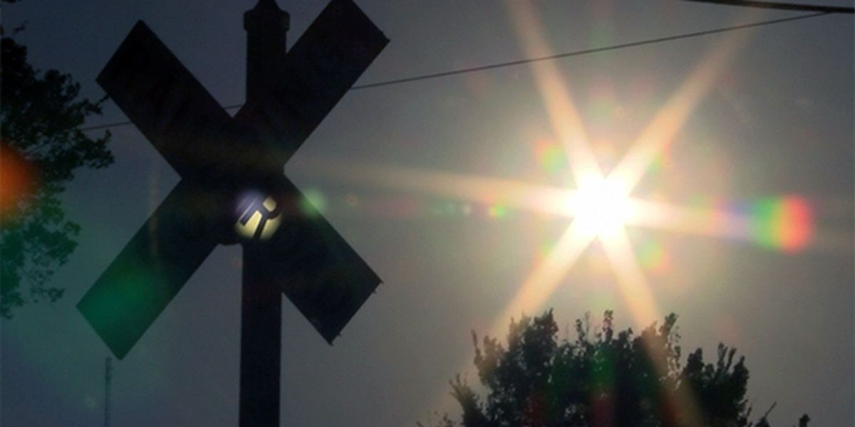 Railroad crossing in Jefferson Co., IL malfunctioning