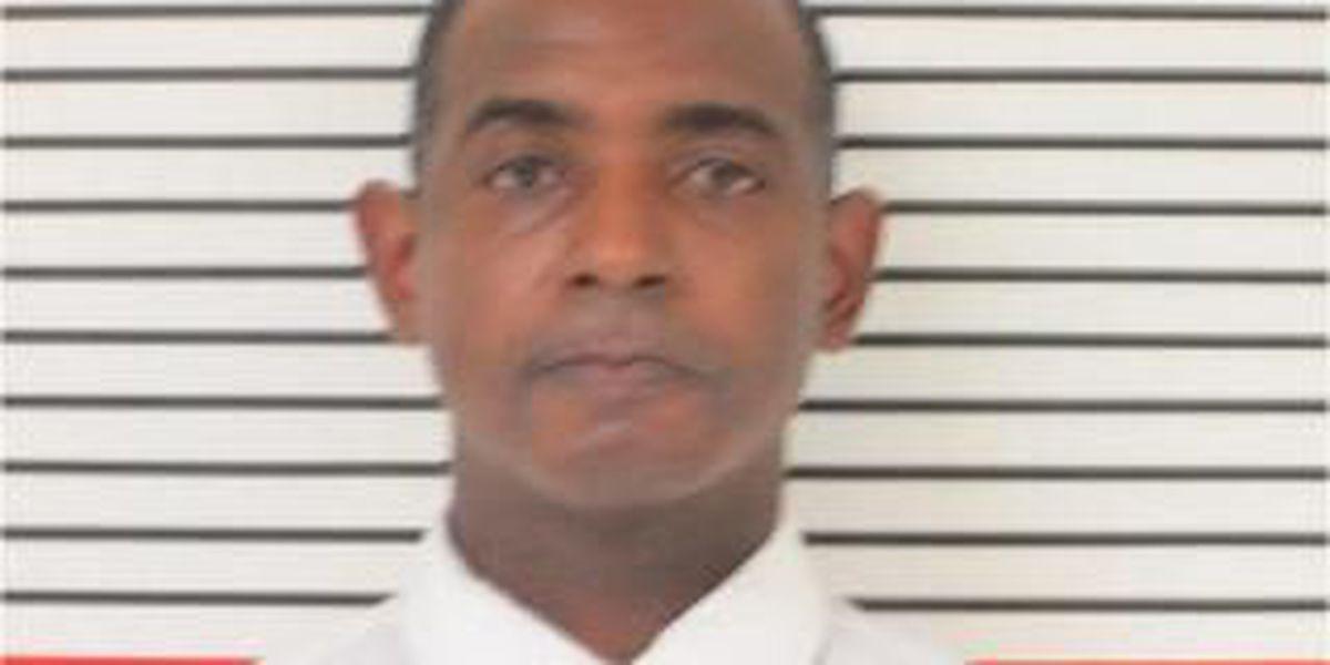 Jailed alderman accused of breaking guard's finger