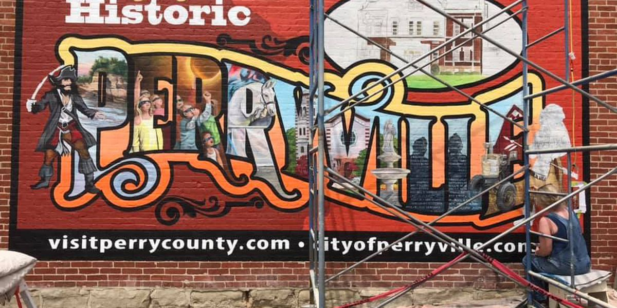 Artist paints historical mural in Perryville, Mo.