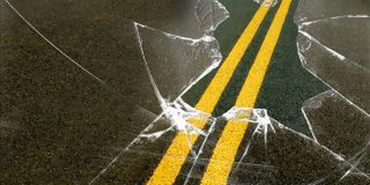 Benton man dies after car hydroplanes off road, hits tree
