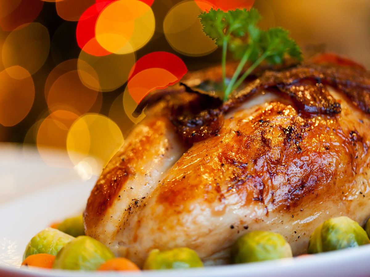 Avoid foodbourne illness this holiday with these safety tips