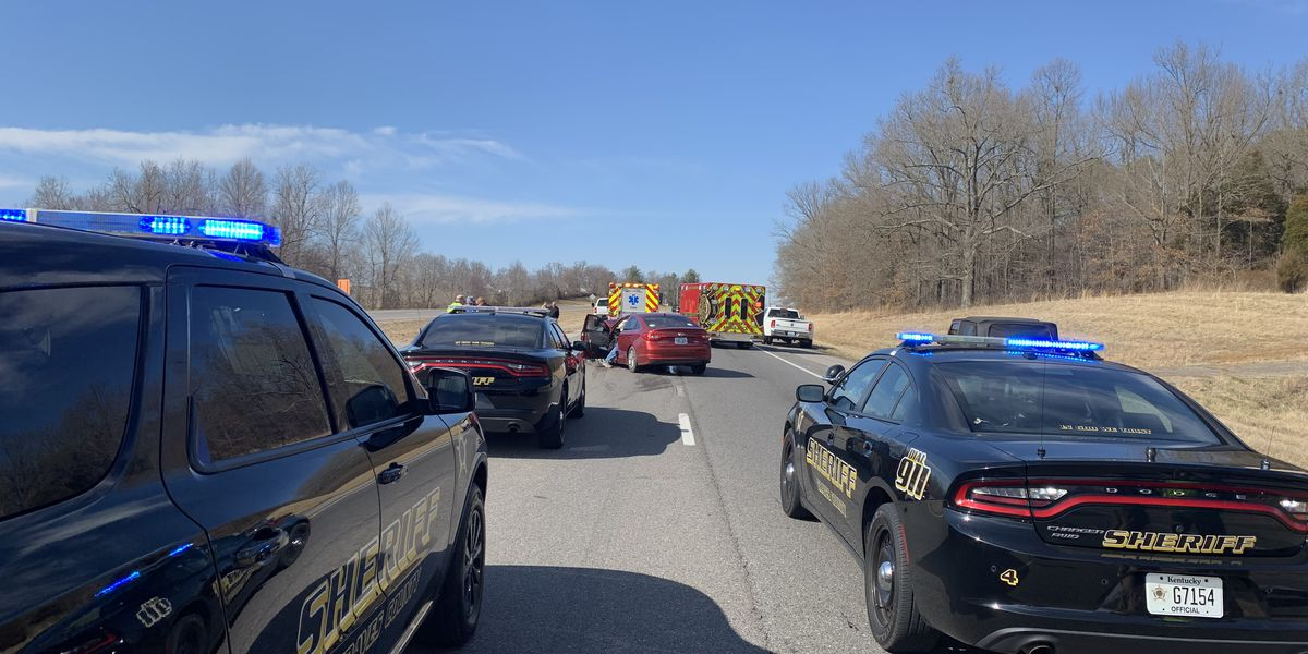 1 injured in 2-vehicle crash in Graves Co.