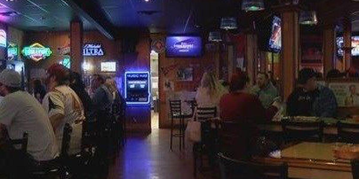College basketball big business for restaurants, bars