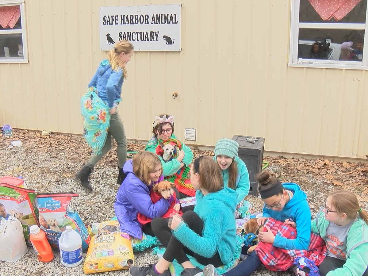 Cape Girardeau Junior Girl Scout troop gives back to the community by first helping animals