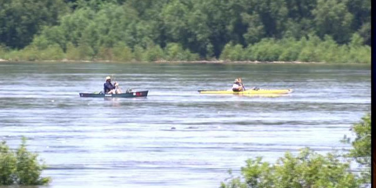 Minnesota man battles PTSD by rowing down the Mississippi River