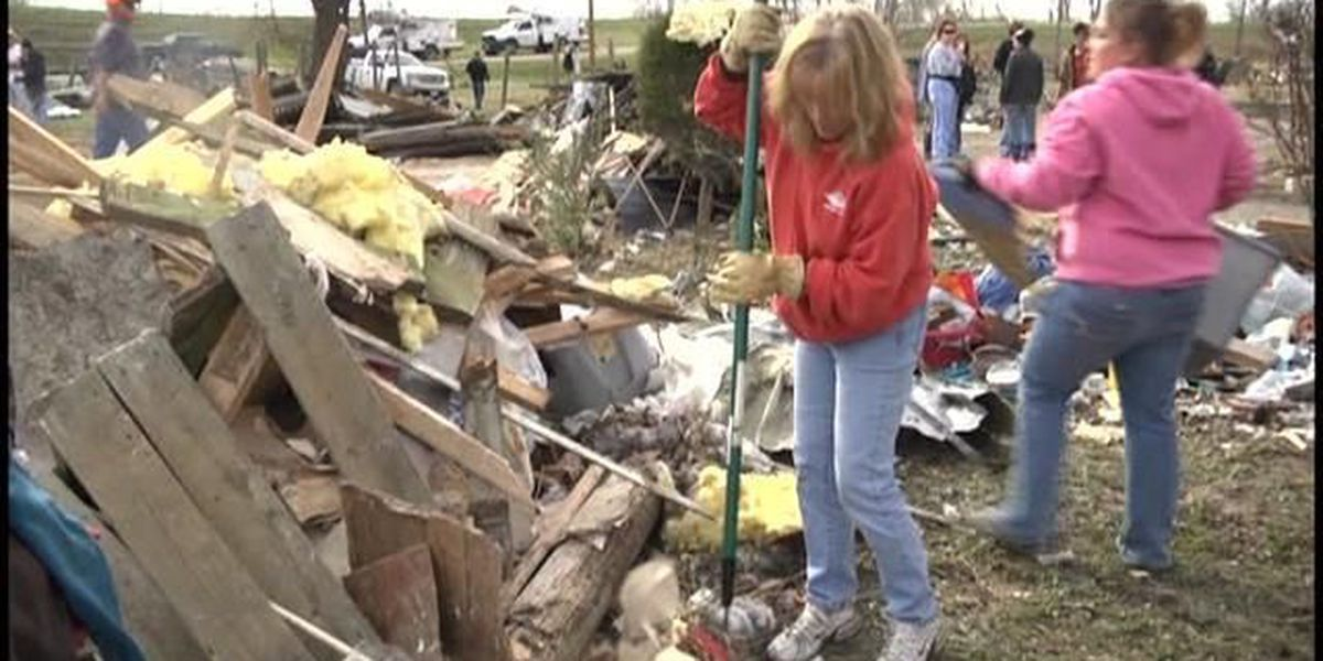 Hundreds answer the call to help in Brookport