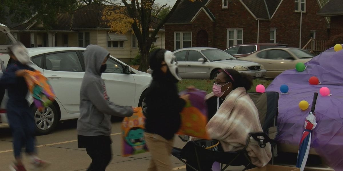 Franklin Elementary host Trunk-or-Treat event