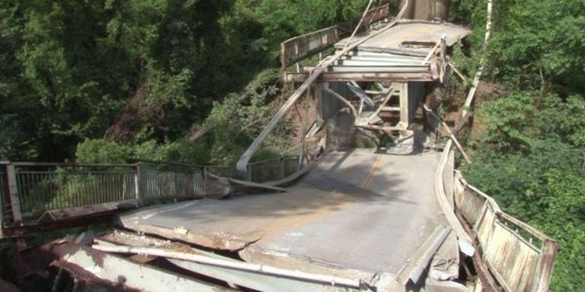 Preparation for demolition of Old Ledbetter Bridge continues