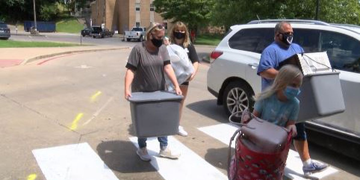 Southeast Missouri State University students start moving in for fall semester