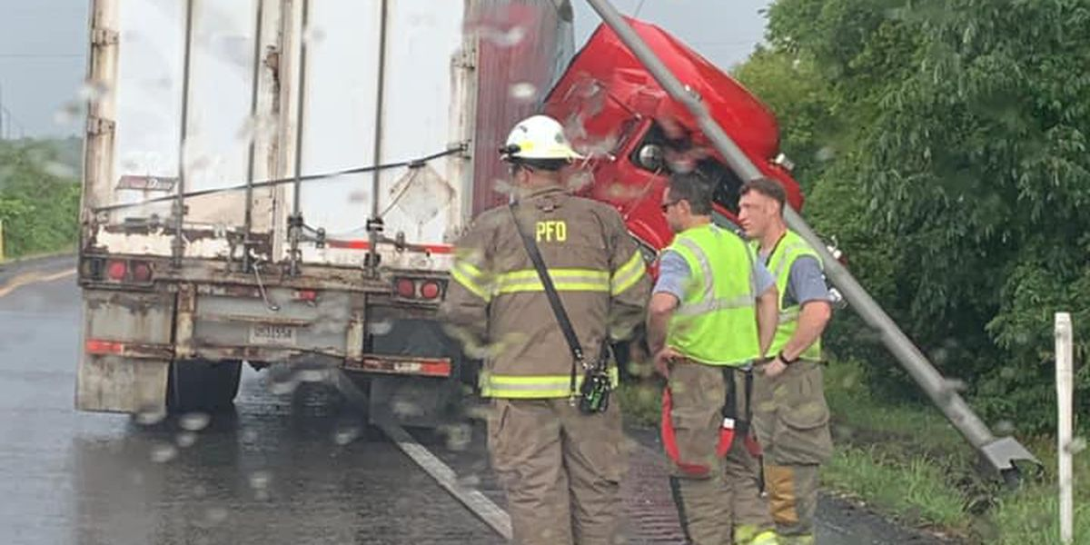 Traffic backed up on I-24 at 7 mile marker in McCracken Co. due to jackknifed semi truck
