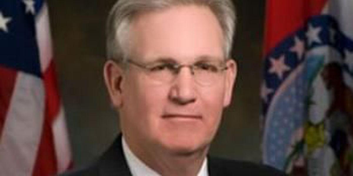 Gov. Nixon outlines proposed new state veterans' homes, renovations for existing homes