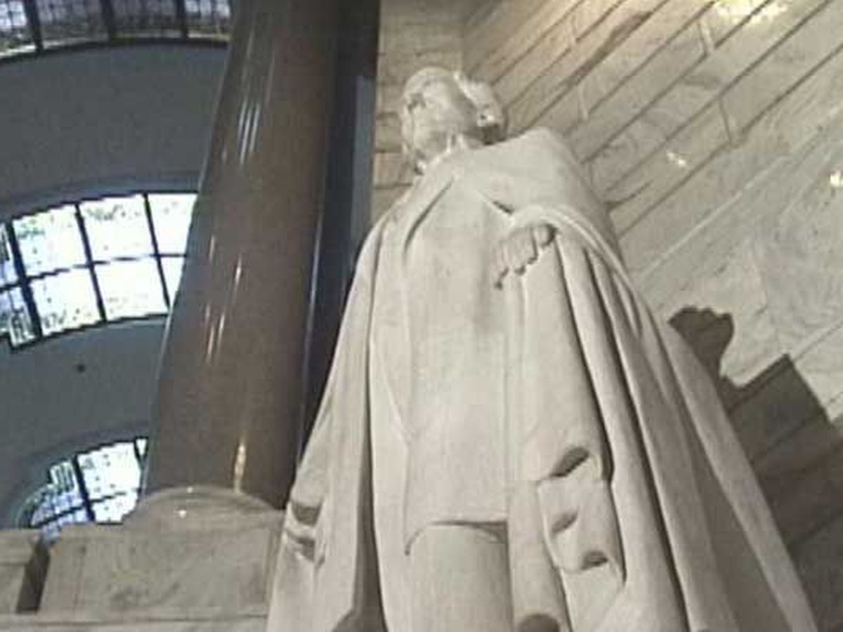 Gov. Beshear says Jefferson Davis statue should be removed