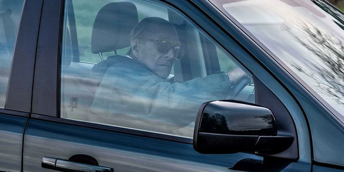 Prince Philip photographed driving without seatbelt 48 hours after car crash
