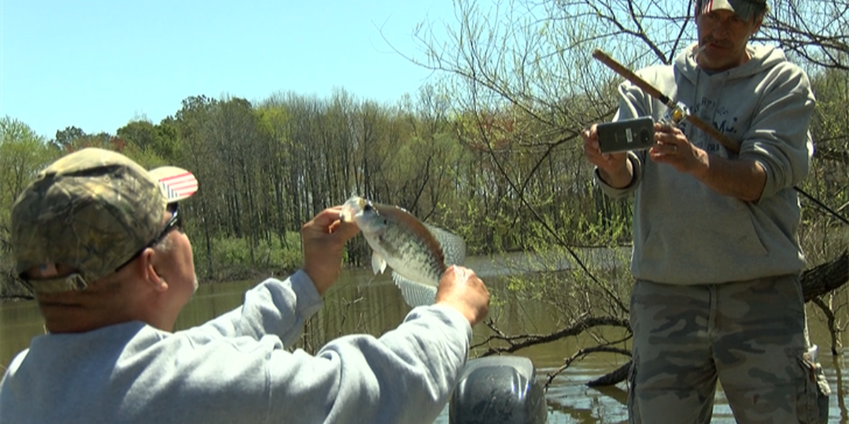 Veterans take fishing trip at Rend Lake