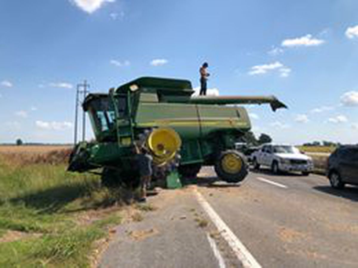 Crash involving semi and combine ties-up traffic in Stoddard Co., MO