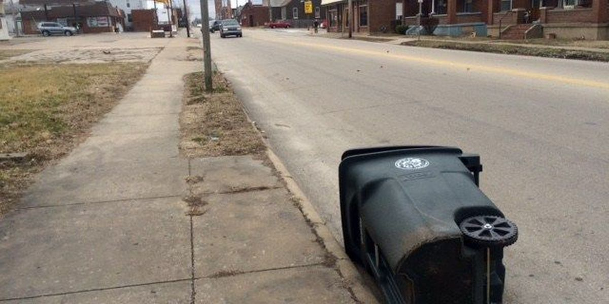 Cape Girardeau city workers faced challenges on windy day