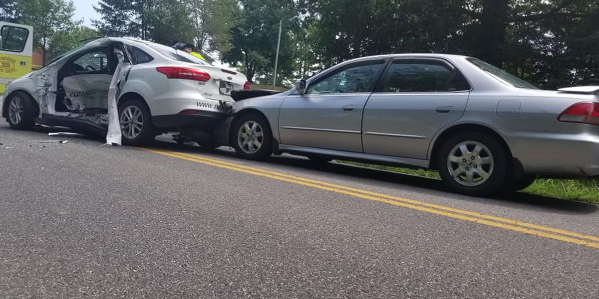 3 vehicles involved in crash in Hendron, Ky.