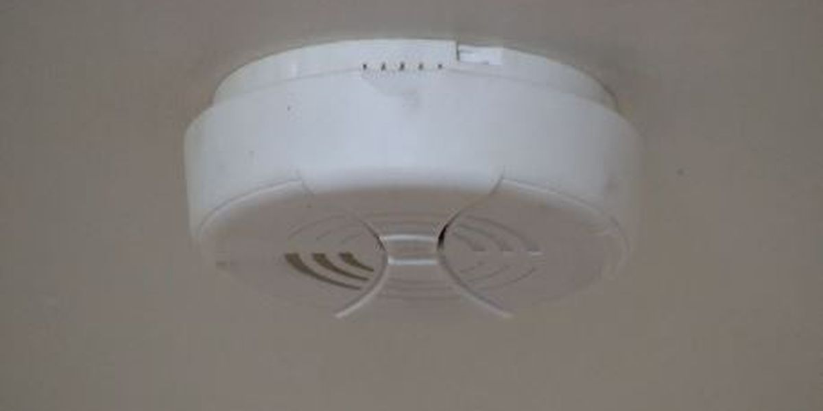 American Red Cross, firefighters install smoke detectors in Cape Girardeau