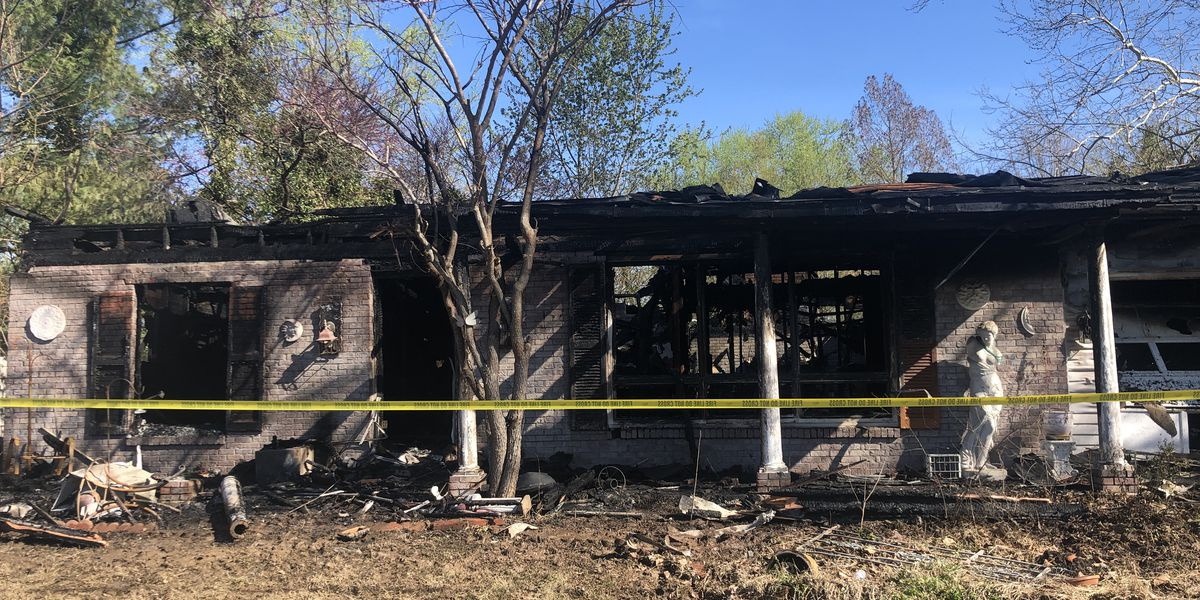 Early morning fire damages Cambria, IL home