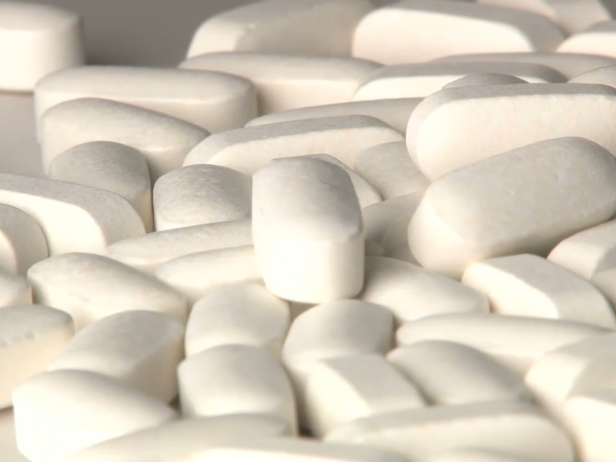 Pharmacists: Doctors writing prescriptions for possible COVID-19 treatment at expense of chronically-ill patients