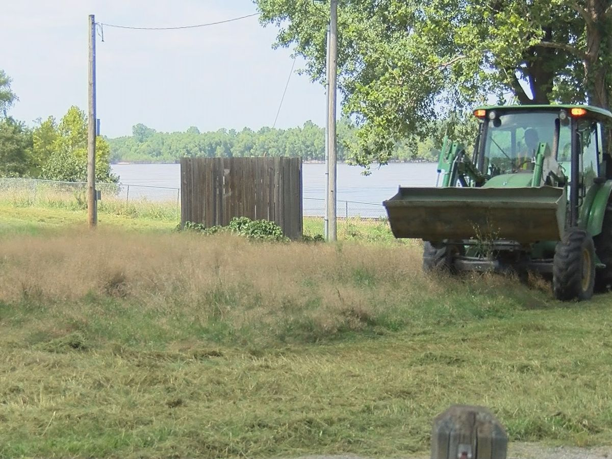 Cleanup begins at flooded Trail of Tears State Park campsite