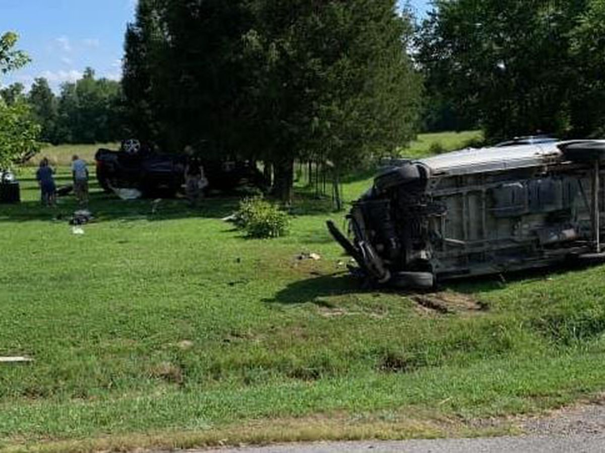 Crews respond to crash northest of Carterville, Ill.