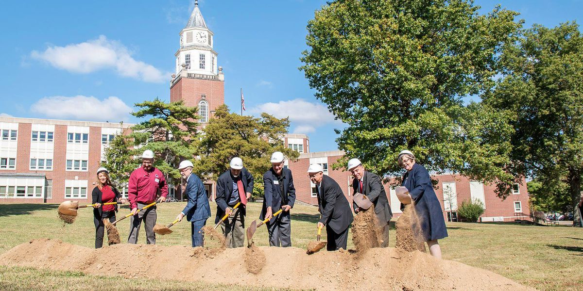 Groundbreaking for Saluki Alumni Plaza held Thursday