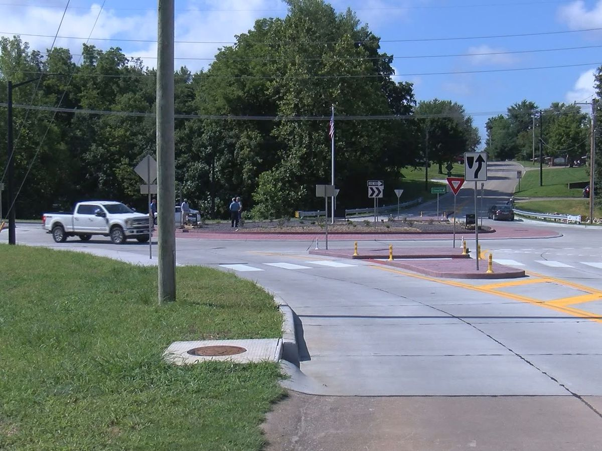 Ribbon cutting ceremony held for new Jackson roundabout