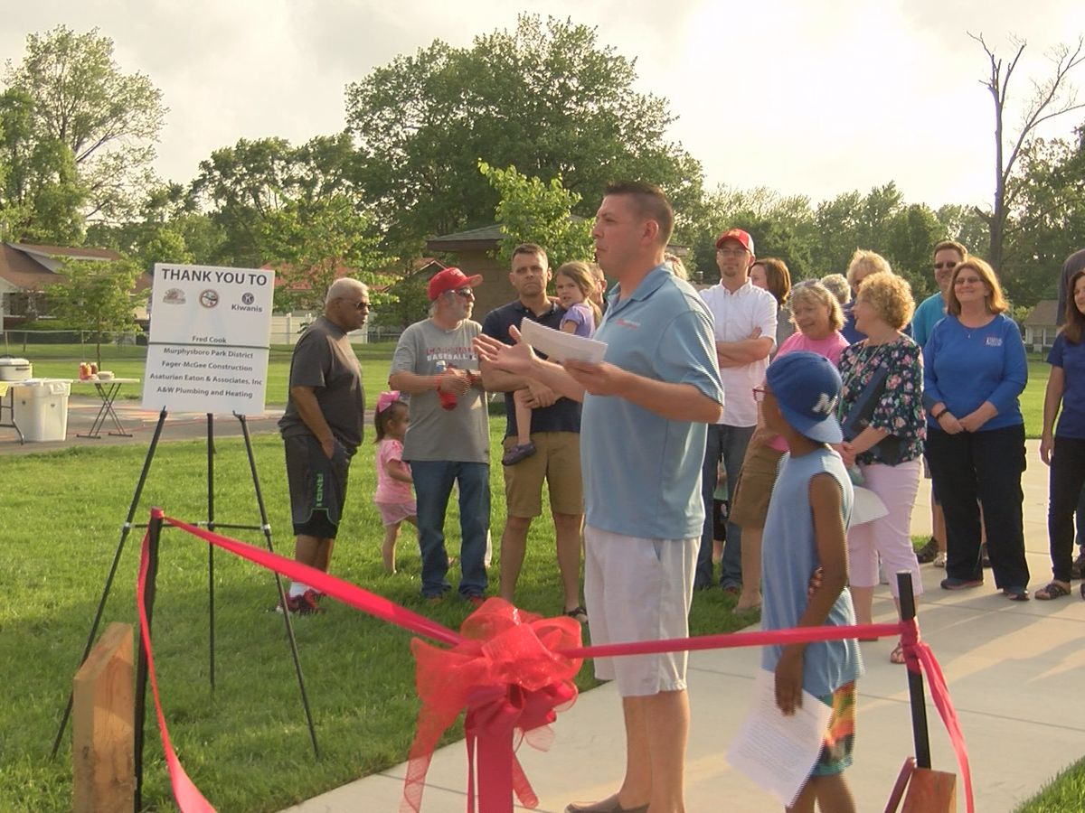 Ribbon cutting held for splash park in Murphysboro, Ill.