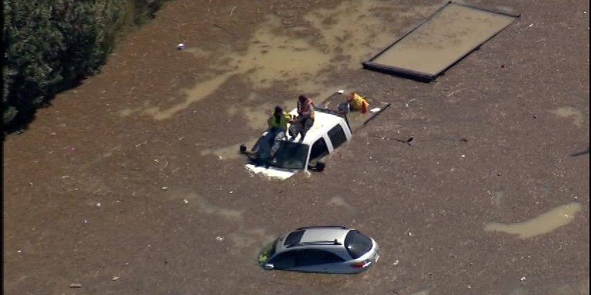 Water main break floods highway, roads in Houston