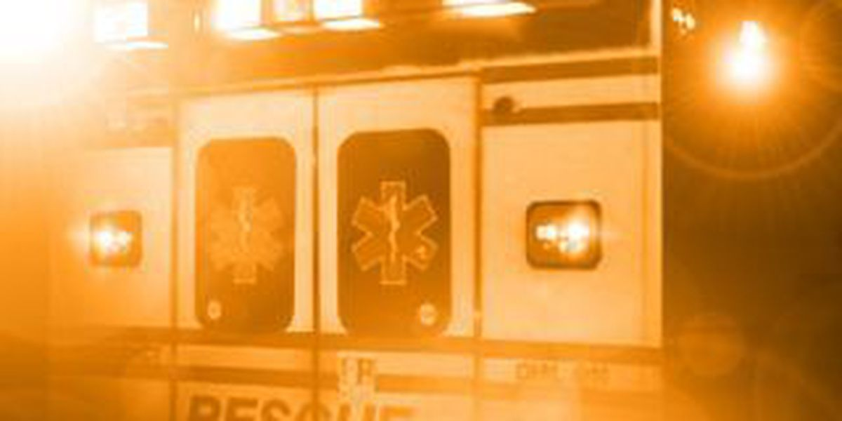 2 injured in ambulance crash