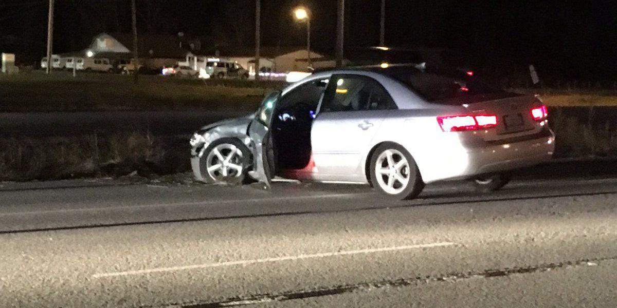 2 men injured in two-car crash in Williamson Co., IL