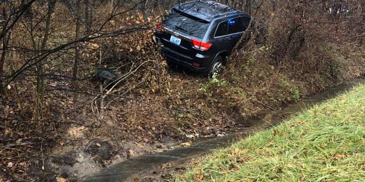Driver injured after hydroplaning on Parkway in Graves County, Ky.