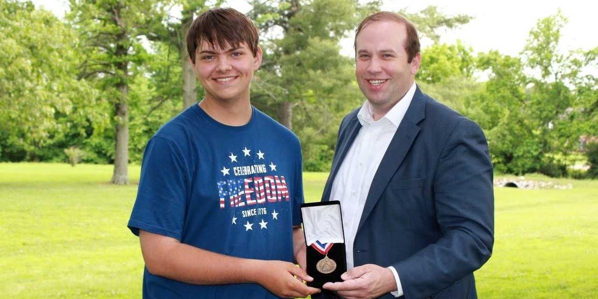 U.S. Rep. Smith Honors Congressional Award Winner in Dexter, MO