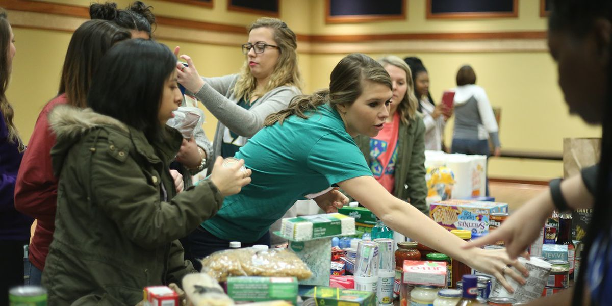Murray State University students hold Give Back Initiative