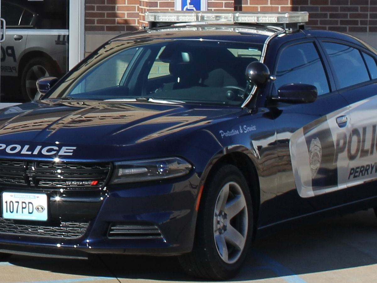 Police searching for 2 stolen vehicles in Perryville, Mo.