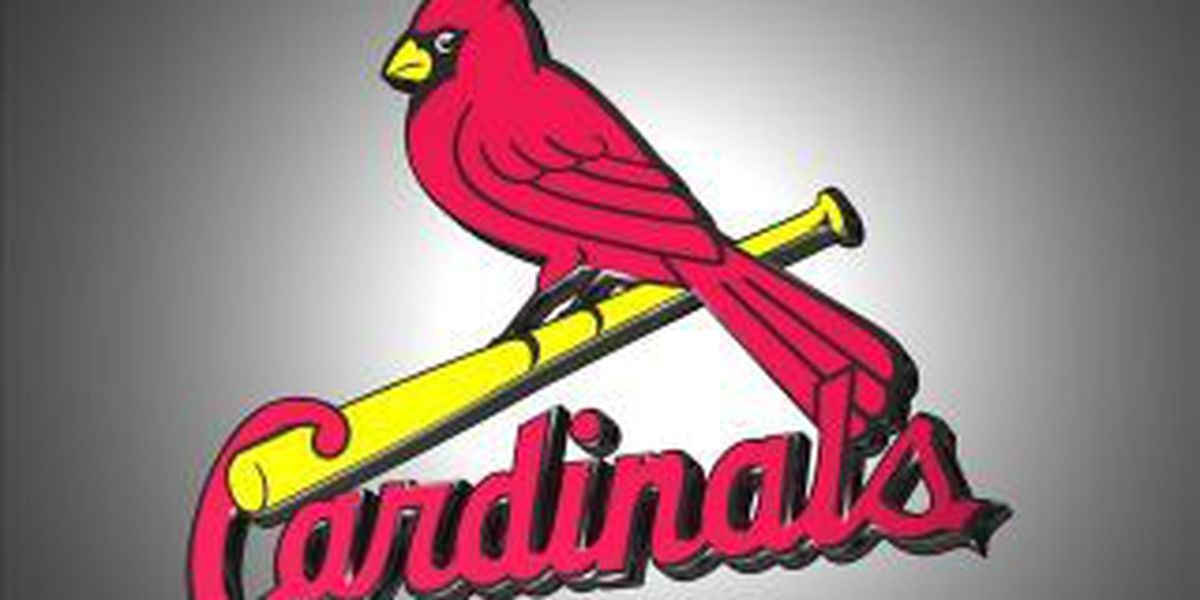 Cards fall in series finale at Milwaukee