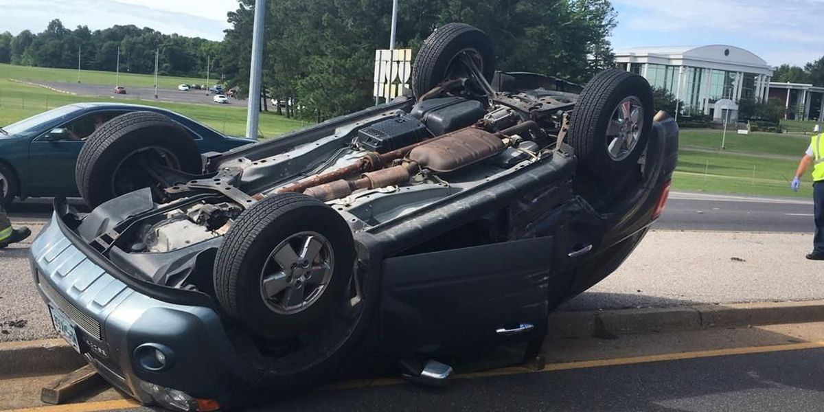 Crash sends vehicle onto its side in Paducah, KY