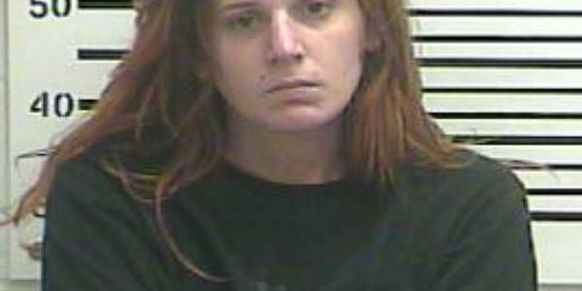 Cape Girardeau woman accused of threatening someone with gun at gas station, kicking officer