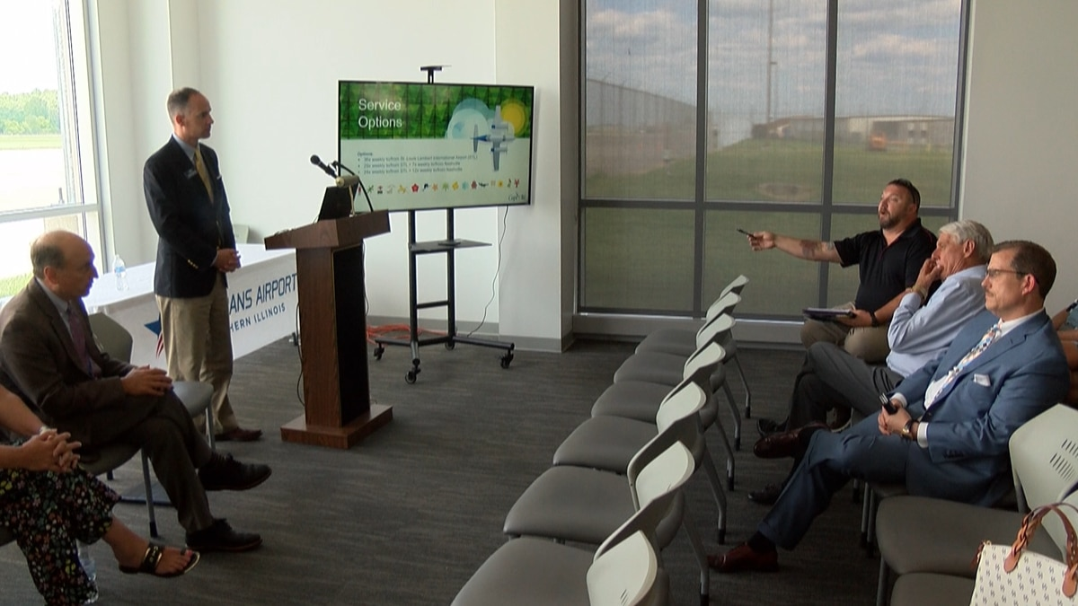 Veterans Airport of Southern Illinois listens to new Cape Air proposal