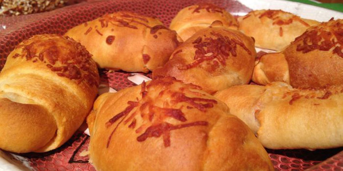 Big Game Recipes – Pigskin Pizza Puffs
